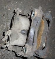 2002 LEXUS IS200 COMPLETE FRONT CALIPER WITH CARIER DRIVER SIDE FREE POSTAGE UK