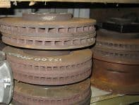2002 LEXUS IS200 PAIR OF FRONT BRAKE DISCS IN GOOD CONDITION WITH LOADS OF LIFE