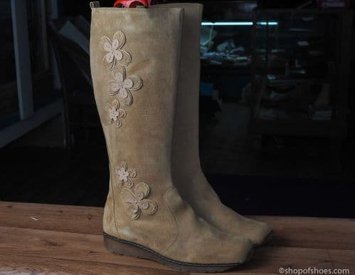 Beige suede mid length  zipped  winter boot