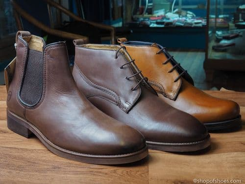 Fantastic smart Adesso  leather laced boot with comfort footbed