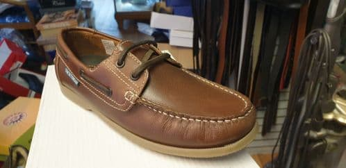 leather deck shoe