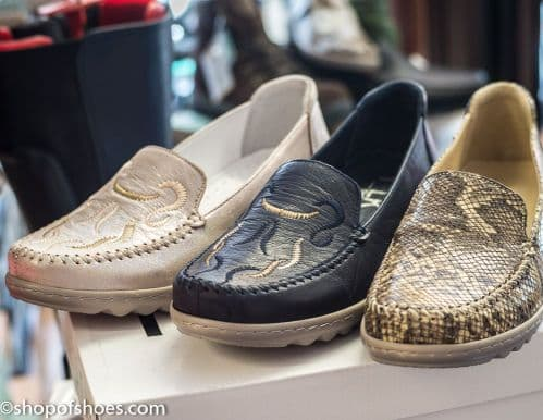 Perfect Women's leather summer moccasin