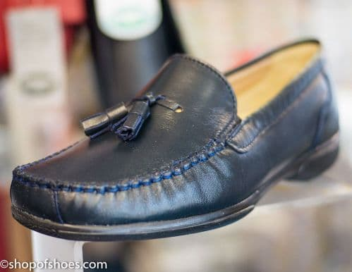 Ripley . Ladies Navy moccasin with tassel