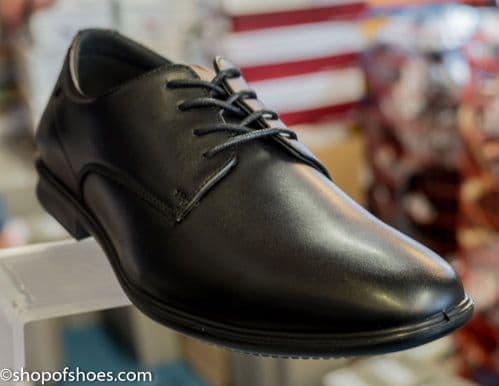 Gloriously soft leather smart black mens laced shoe.