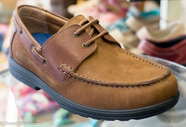 UK made Duel fit extra wide nubuck leather deck shoe from Padders.