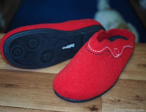 Wider fit comfortable red felt  mule