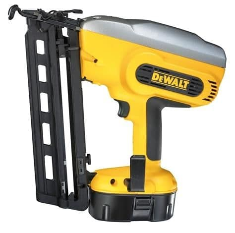 DC618KB DeWalt Angled Finish Nailer 18 Volt 2 x NiMH Batteries