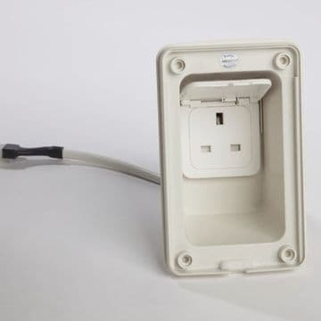 Socket Electric Mains Out UK