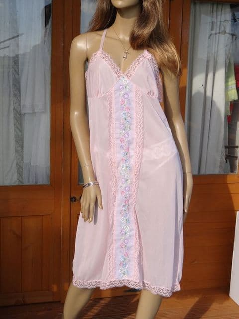 AUTHENTIC 1950/60'S PINK SILKY NYLON FULL SLIP  SIZE:- 42  #W387