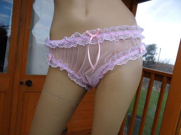 BEAUTIFUL PINK 15 DENIER SEE THRU NYLON BIKINI KNICKERS SIZE:- MEDIUM  #199