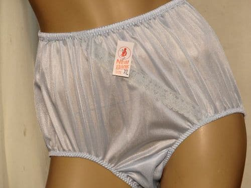 EXQUISITE VINTAGE STYLE SILKY NYLON & LACE PANTIES  SIZE:--- XL