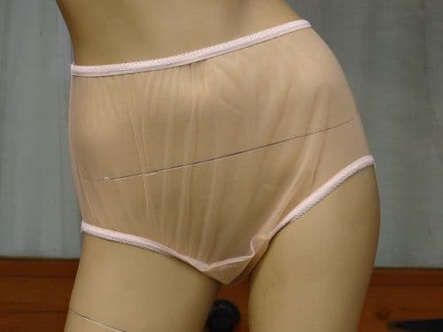 EXQUISITE VINTAGE STYLE ULTRA SEE THRU NYLON PANTIES  SIZES:- SMALL/LARGE  USA-5 & 7