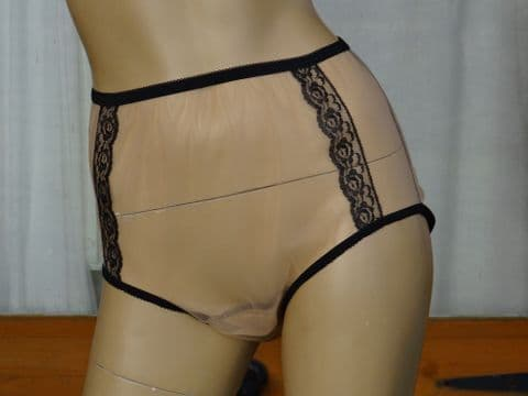 EXQUISITE VINTAGE STYLE ULTRA SEE THRU NYLON PANTIES  SIZES:- SMALL/LARGE USA-5/7