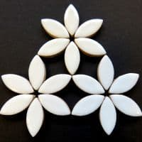 25mm Ceramic Petals - White - 50g