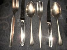 6 PC VINTAGE STAINLESS CUTLERY FORK STEAK & SPOON 2 PERSON SETTING MISMATCH PRS