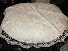 "ANTIQUE WHITE HAND MADE LACE CROCHET WORK TABLE CLOTH SATIN EMBROIDERY 31"" DIA"