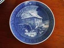 BLUE WHITE DISPLAY PLATE ROYAL COPENHAGEN VIBAEK WATER MILL 1976
