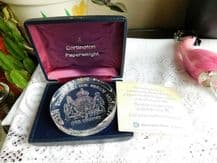 BOXED DARTINGTON CRYSTAL PAPERWEIGHT LIMITED EDITION QUEEN MOTHER 80th + CERT