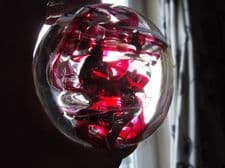 COLLECTABLE DOME HEAVY GLASS PAPERWEIGHT SIGNED O.G. '15 CERISE WHITE TWIST