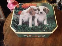 COLLECTABLE FOX'S EMPTY BISCUIT TIN GOOD SIZE ADORABLE SPANIEL PUPPIES DESIGN