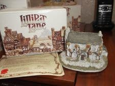 COLLECTABLE LILLIPUT LANE COTTAGE WITH ORIGINAL BOX & DEED SAWREY GILL