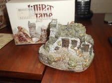 COLLECTABLE LILLIPUT LANE COTTAGE WITH ORIGINAL BOX NO DEED THE HERMITAGE