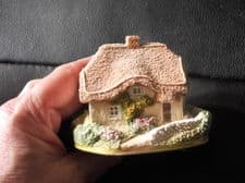 COLLECTABLE LILLIPUT LANE MINIATURE CLOVER COTTAGE NO BOX OR DEEDS GREAT COND