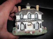 COLLECTABLE MINIATURE RESIN COTTAGE VERY DETAILED TIMBERED WITH PORCH