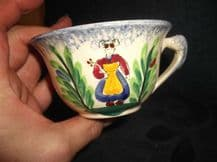 COLLECTABLE RARE CUP MBFA PORNIC BRETON QUIMPER LOOK HANDPAINTED LADY DE RHUYS