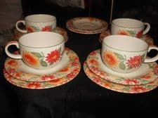 COLLECTABLE ROYAL DOULTON EXPRESSIONS SUNBURST 4 X CUPS & 6 X SAUCERS