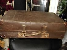 GENUINE VINTAGE SUITCASE REINFORCED CORNERS REVELATION BROWN EXPANDABLE ?