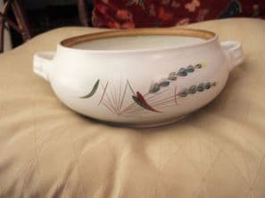 GREAT DESIGN BOURNE DENBY CASSEROLE BASE NO LID GREENWHEAT COLLEGE 2PT
