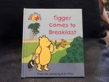HB WINNIE THE POOH TIGGER COMES TO BREAKFAST EXCELLENT COND