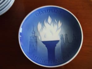 LIMITED EDITION BLUE WHITE DISPLAY PLATE COPENHAGEN OLYMPIC GAMES MUNICH 1972