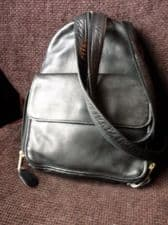 QUALITY BLACK LEATHER BACKPACK LADIES BAG Y ZIP XTRA STRAP EXCELLENT CONDITION