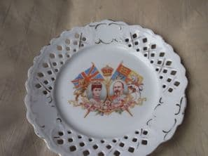 RARE RIBBON DISPLAY PLATE GEORGE V QUEEN MARY DIEU ET MON DROIT 8.5