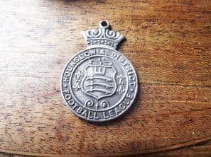 SILVER HALLMARKED HOUNSLOW FOOTBALL LEAGUE MEDAL PENDANT 1930 31 TOYE LONDON
