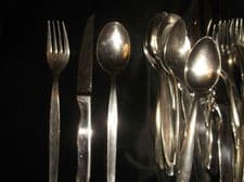 STAINLESS STEEL STEAK CUTLERY 8 PLACE SETTING 24 PIECES QUALITY STYLISH STEAKS