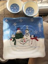 SUPERB SQUARE PLATTER & 2 BOWLS ST. NICHOLAS SQUARES BUTTON UP SNOWMEN UNUSED