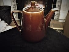 TREACLE LUSTRE GLAZED RETRO TEA /  COFFEE POT UNUSUAL SPOUT VILLEROY BOCH SIZE 3