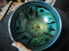 UNUSUAL OLD HANDPAINTED ART POTTERY BOWL SEA BLUE GREEN GLAZE PIERCED BASE RIM
