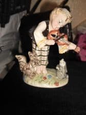 VINTAGE CAPODIMONTE CHINA FIGURE BOY & VIOLIN CUTE RABBIT & SQUIRREL ITALY 571