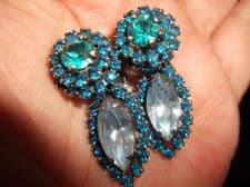 VINTAGE CLIP EARRINGS VENDOME UNUSUAL DOUBLE BLUE AURORA BOREALIS VERY SPARKLY