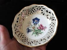 VINTAGE GILDED RETICULATED SCHUMANN CHINA TRINKET DISH PRETTY GENTIAN FLOWERS