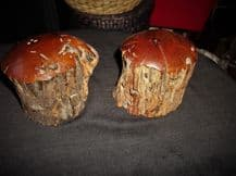 VINTAGE SALT & PEPPER POTS SOLID NATURAL WOODEN LOG WITH POLISHED TOPS C/W BUNGS