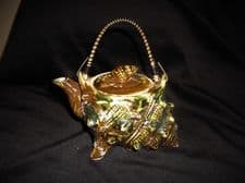 VINTAGE SMALL MAJOLICA CONCH SHELL TEAPOT SWIVEL BOUND HANDLE & LID ~ WHELK KNOB