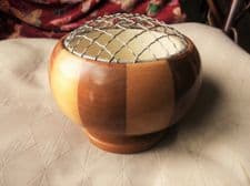 VINTAGE TWO TONE WOODEN BOWL WONDERFUL GRAIN & COLOURS WITH LINER & MESH TOP