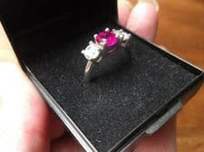 WHITE GOLD TRILOGY RING LARGE DEEP PINK GEMSTONE SAPPHIRE ? + 2 CZ STONES SIZE P