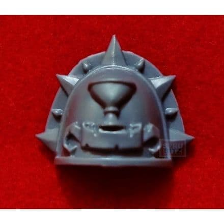 Blood Angel Shoulder Pad (pointed chalace)