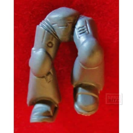 Space Marine Assault Squad Mark VII Legs (R)
